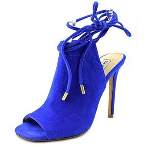 Steve Madden Blue Suede Lace-up Shoe, size 9.5.